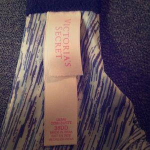 EUC Sz 38DD Victoria's Secret T-shirt Demi Bra